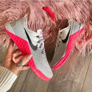 NEW Nike MetCon 3